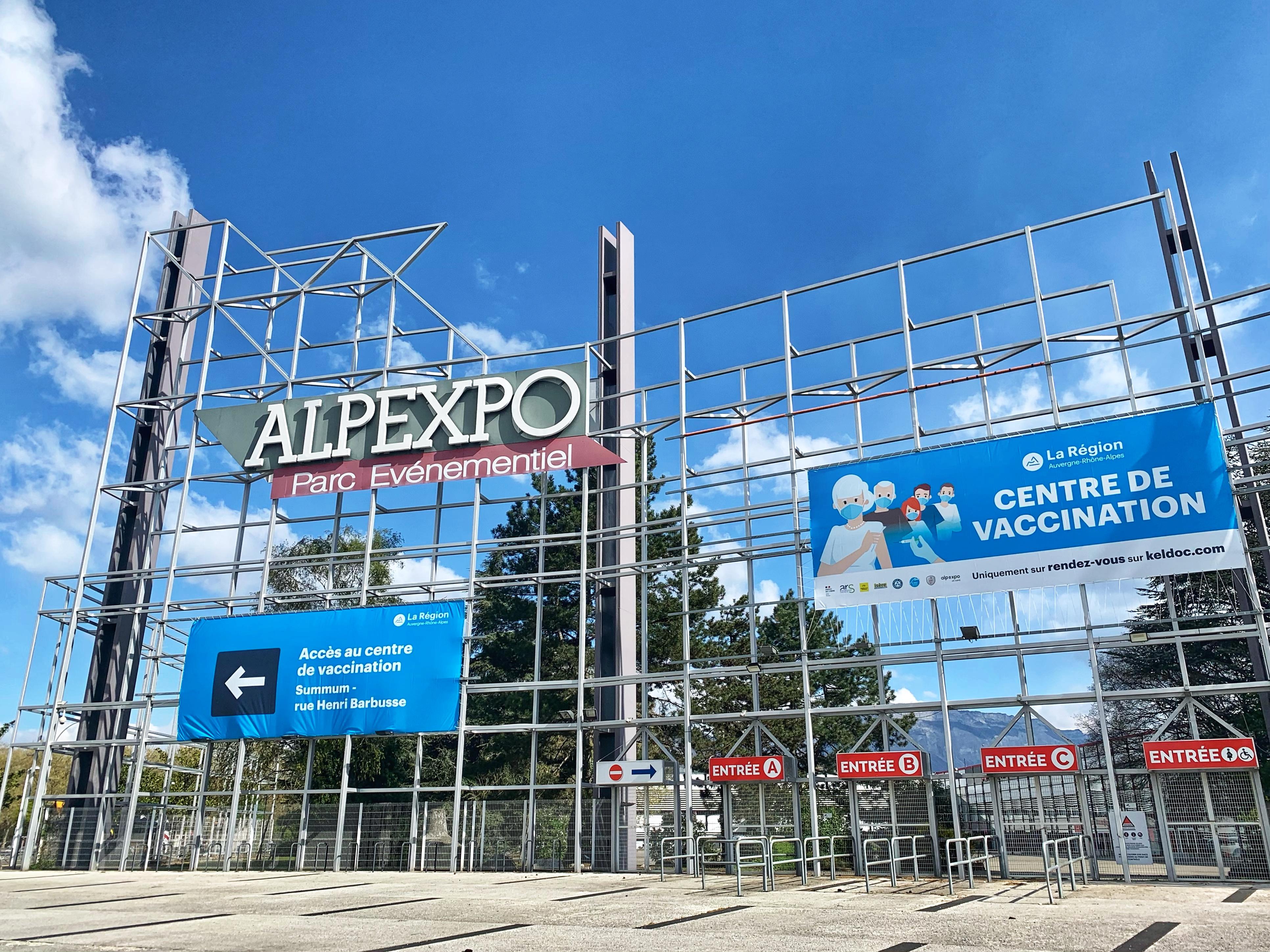 Ouverture d'un centre de vaccination, de grande capacité à Alpexpo